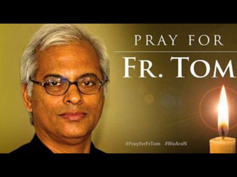 """""""Ислямска държава"""" разпъва католически свещеник на Разпети петък?"""