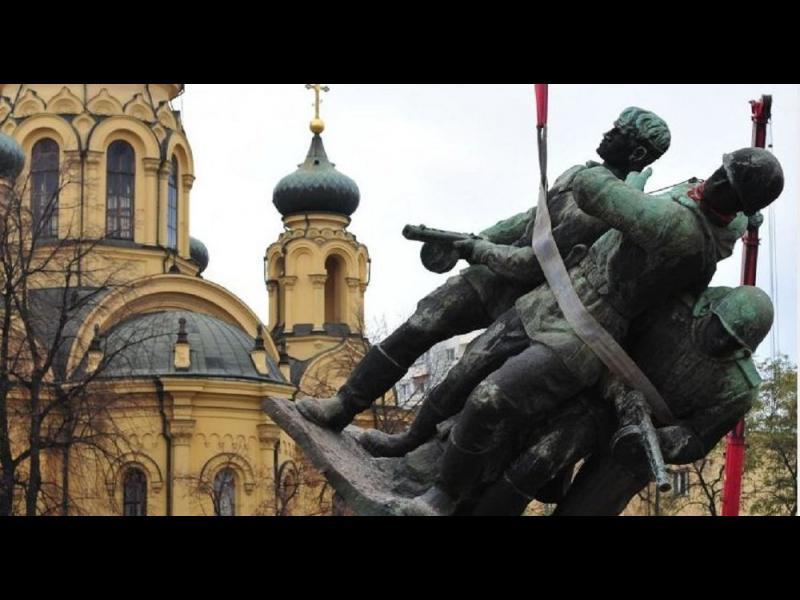 /СНИМКИ/ Полша маха 500 съветски паметника - картинка 1
