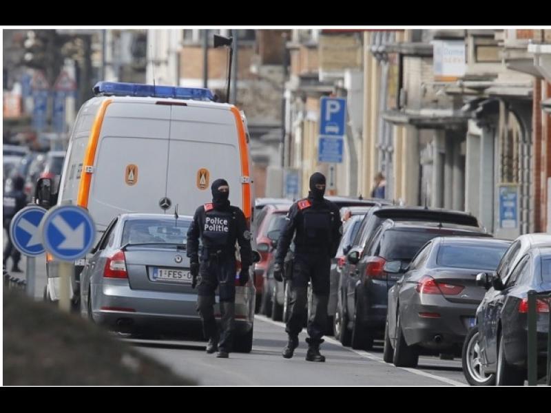 В Париж и Брюксел издирват още заподозрени от Ислямска държава - картинка 2