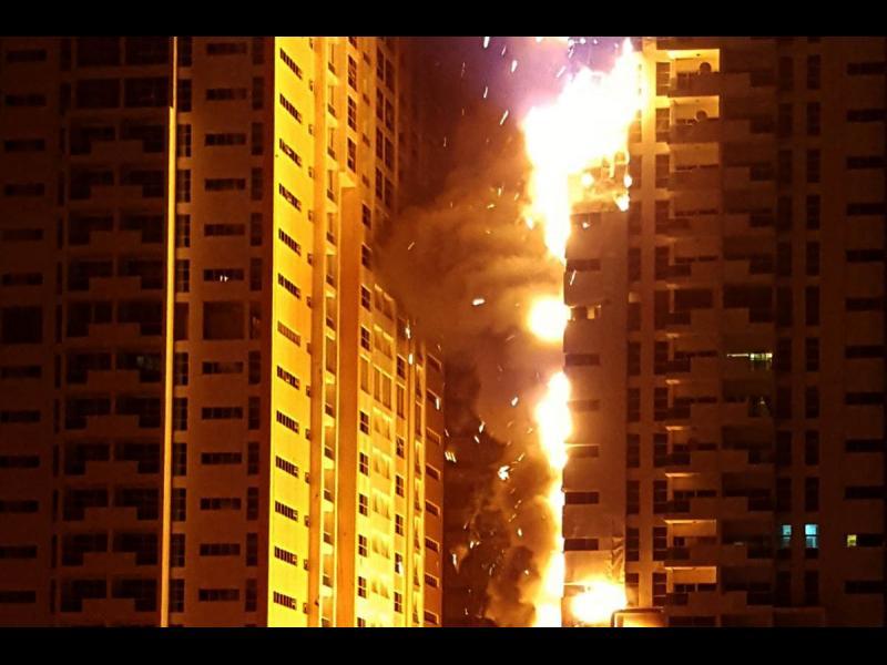 /ВИДЕО/ Пореден пожар на небостъргач в ОАЕ - картинка 1