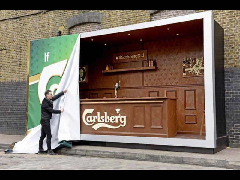 /СНИМКИ/ Carlsberg привлича младежите с шоколадов бар - картинка 1