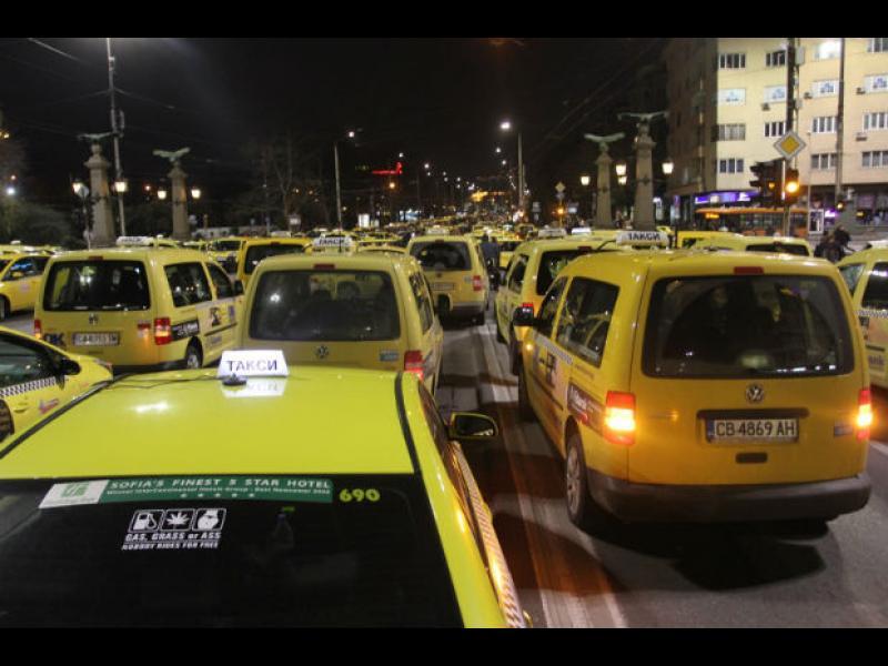 Политическа гонка с таксита - картинка 1