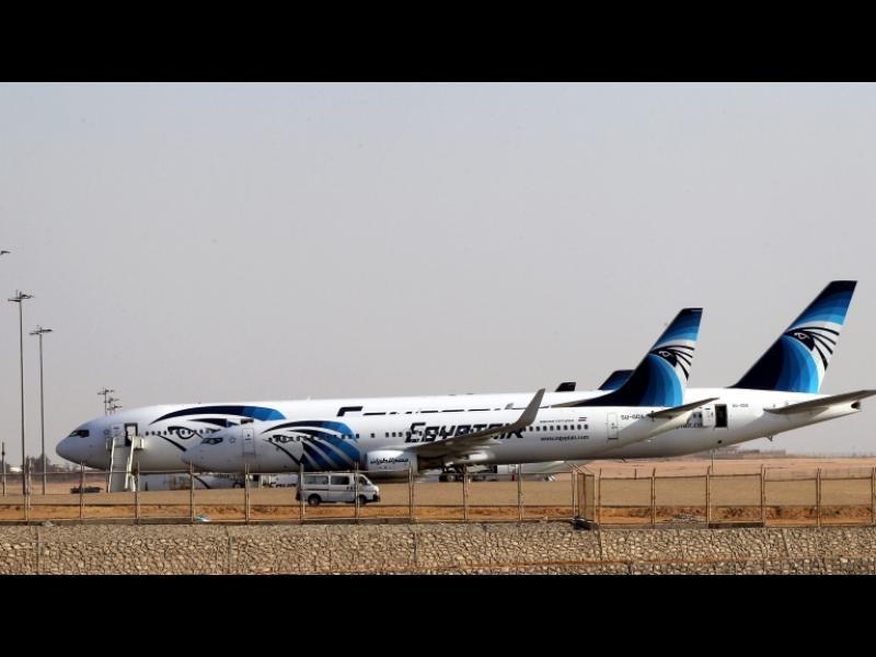 """Самолет на """"EgyptAir"""" е бил похитен - картинка 1"""
