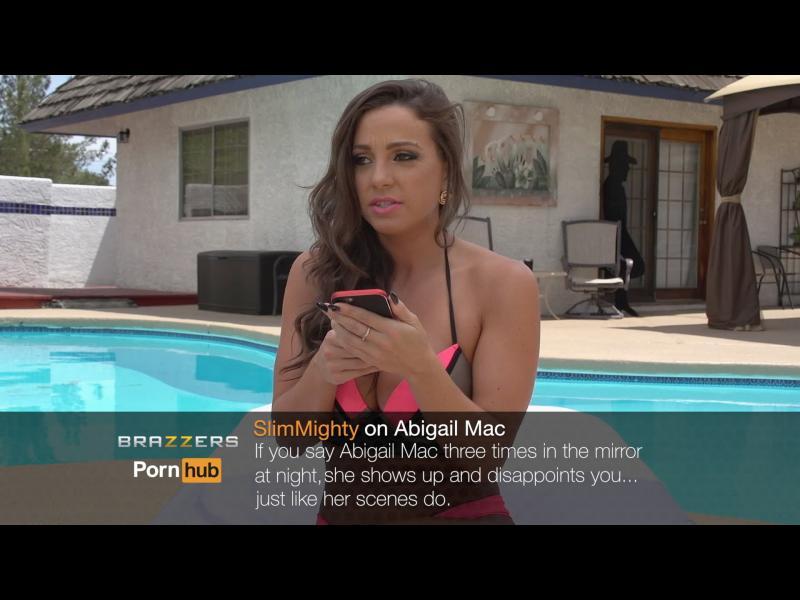 /Видео/ Порнозвезди четат негативни коментари за себе си - картинка 1