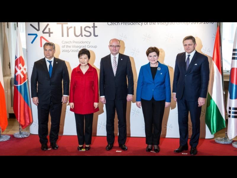Вишеградската група иска европейски граничари - картинка 1