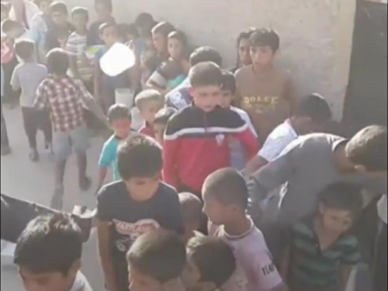 /ВИДЕО/ Деца играят на терористи по улиците на Ал-Ракка