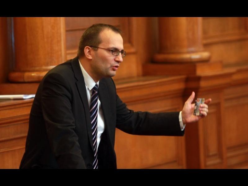 Срязаха спирачките на депутата Мартин Димитров - картинка 1