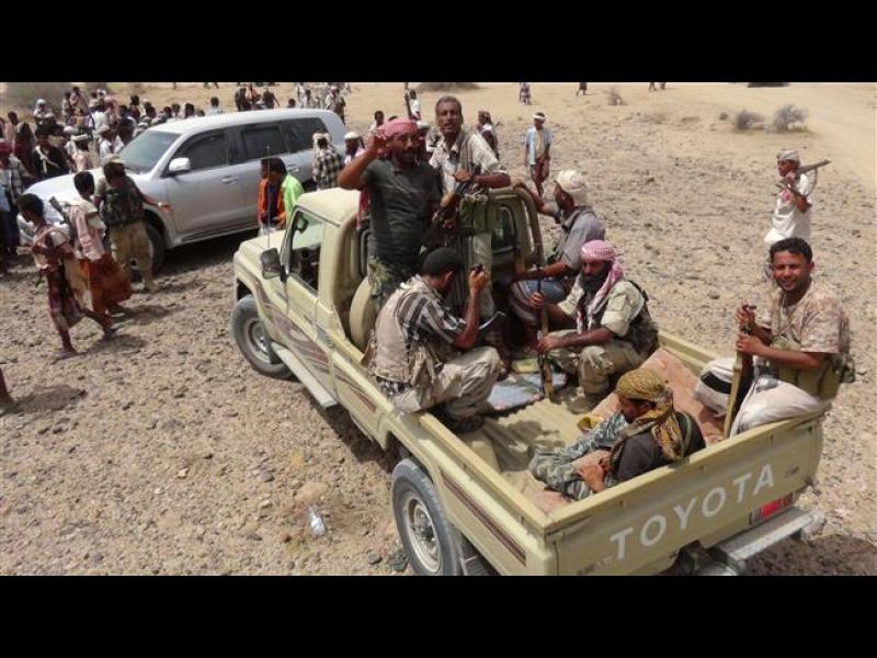 Камикадзе уби 13 и прати 50 в болница в Йемен - картинка 1