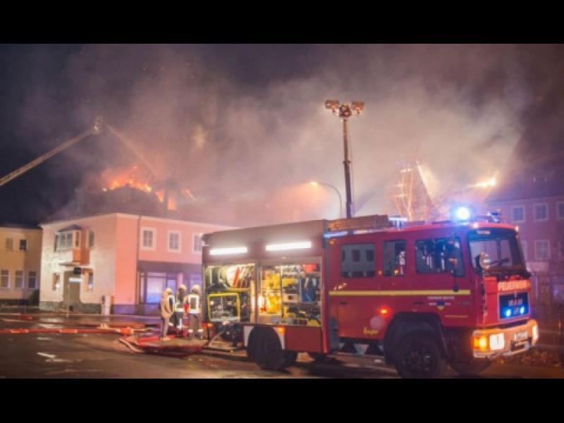 Подпалиха приют за бежанци в Германия - картинка 1