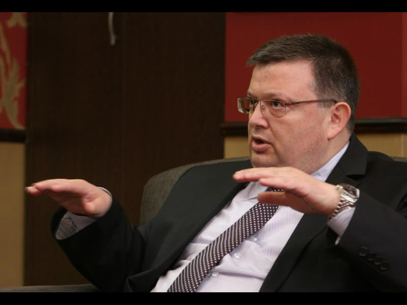 Цацаров: Няма досъдебно производство за заплахите срещу Пеевски - картинка 1