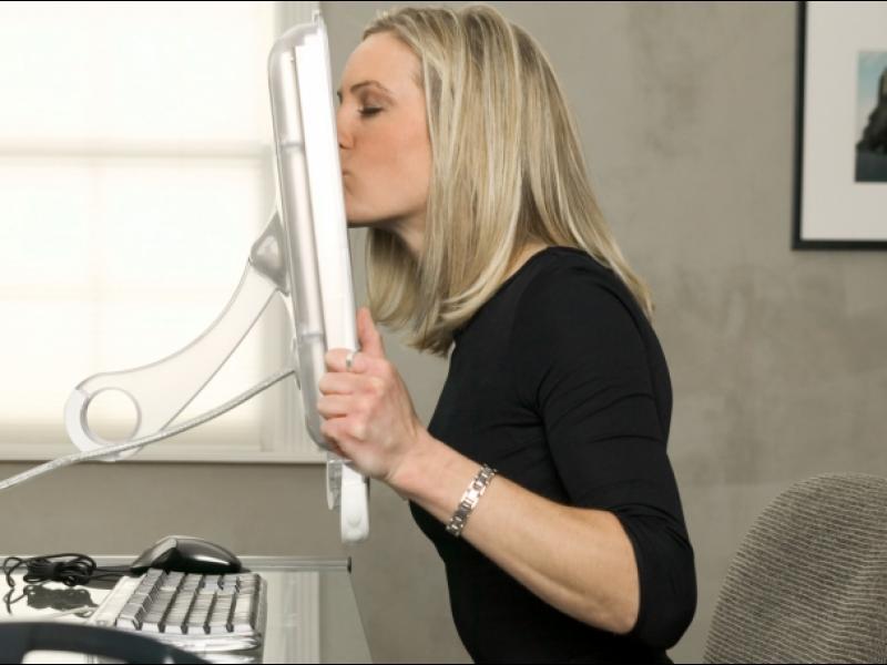 Компютър-сватовник следи дали си искрен в онлайн връзките