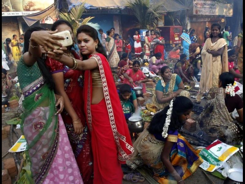 Най-много хора умират от селфи в Индия - картинка 1