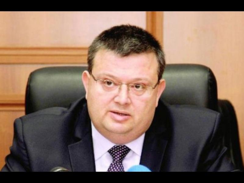 Цацаров на спешна среща с МВР - картинка 1