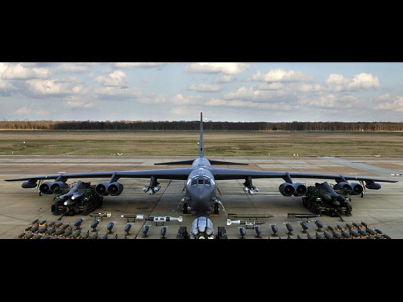 Лондон призна, че със САЩ си разменят по въздуха ядрени материали