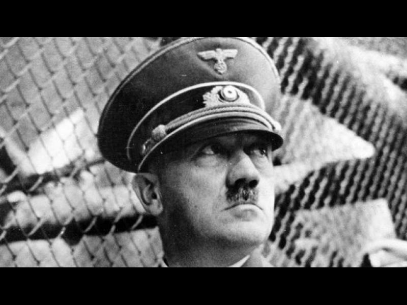 Фюрерът и митовете около интимния му живот