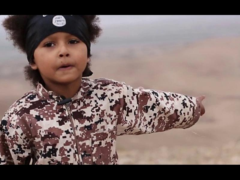"""Обучават децата в """"Ислямска държава"""" по методите на Третия райх - картинка 1"""