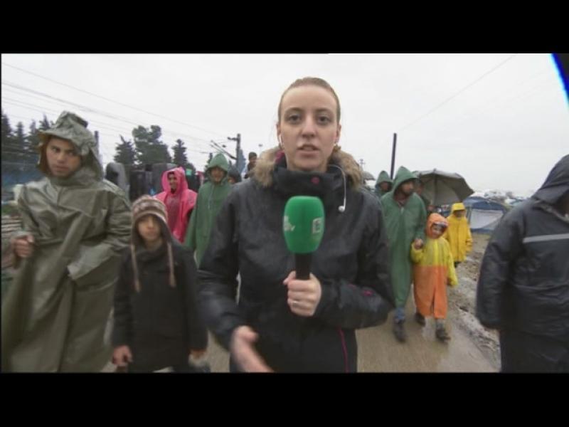 Бежанци протестират в лагера в Идомени - картинка 1