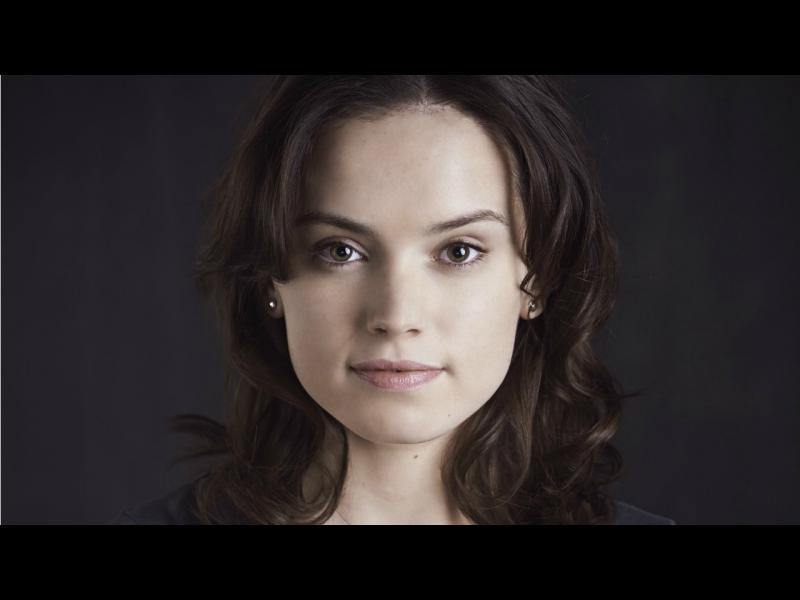 Ридли сменя Джоли в Лара Крофт