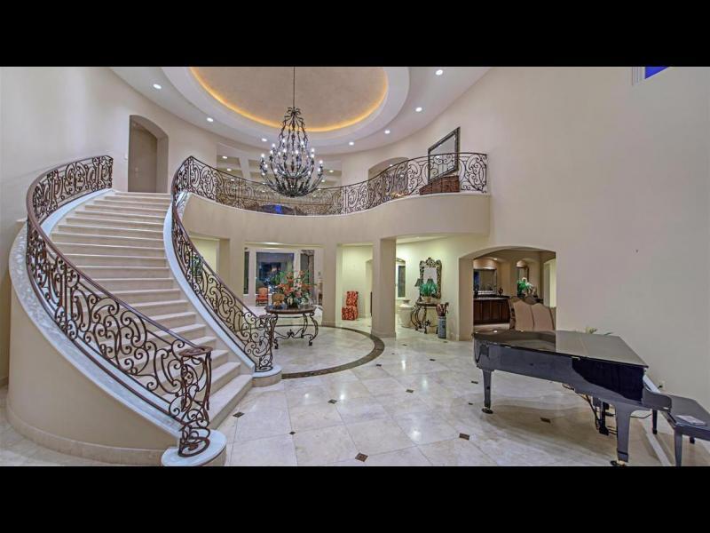 /СНИМКИ/ Тайсън си продава имението във Вегас
