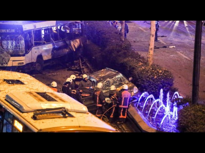 Забраниха социалните мрежи в Турция заради атентата в Анкара. Жертвите са вече 37
