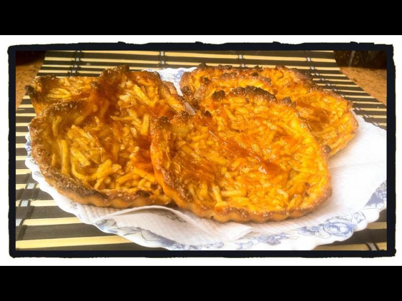 Домашна кухня: Тарталетки с ябълка и канела - картинка 1