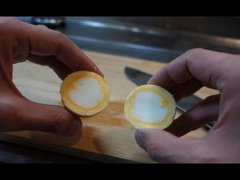Златно яйце? Как да обърнем жълтъка и белтъка - картинка 1