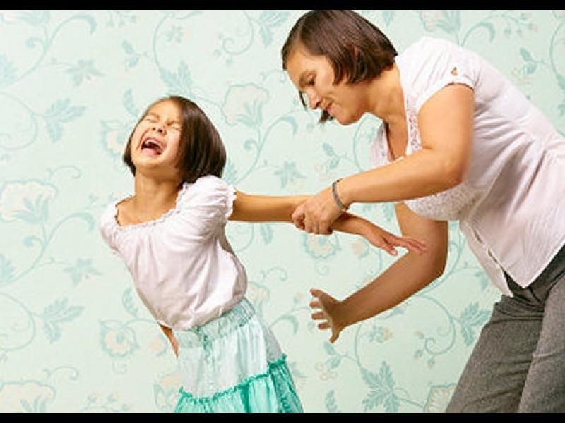 14 учители наказани за насилие над деца - картинка 1