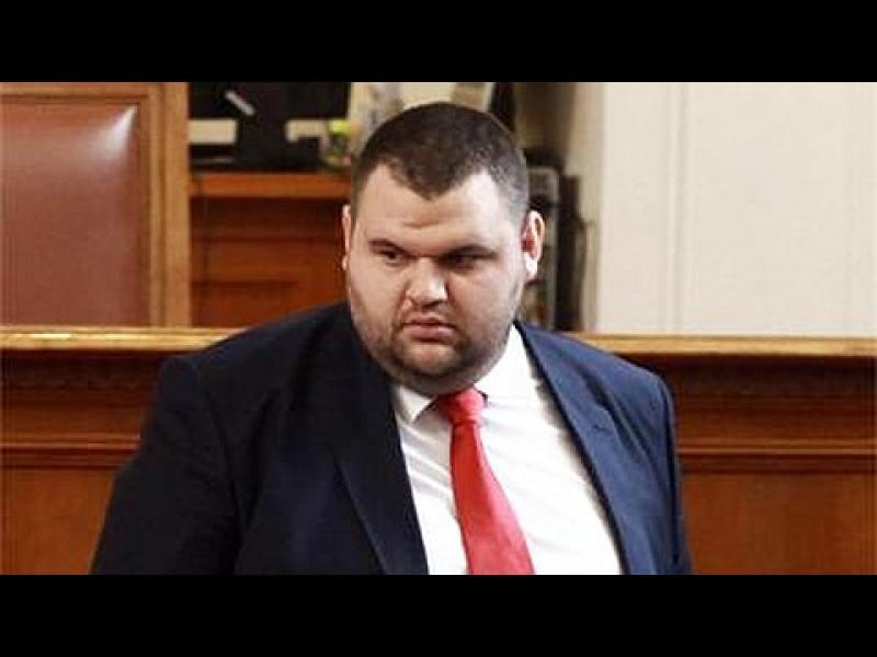 """Пеевски се отказва от """"Химко"""" и от българския бизнес - картинка 1"""
