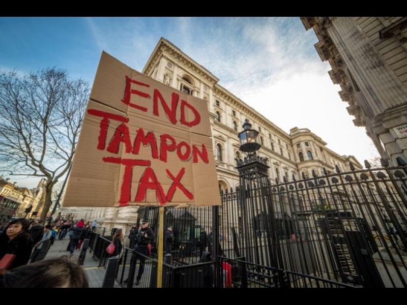 Бъдещето на ЕС зависи от данъка на... дамските тампони във Великобритания! - картинка 1