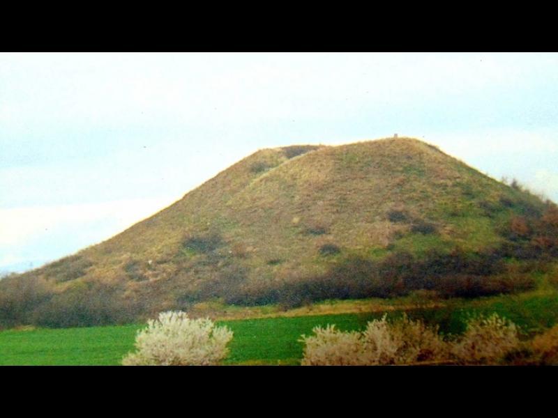 Музей на открито разкрива тайните на най-голямата могила - картинка 1