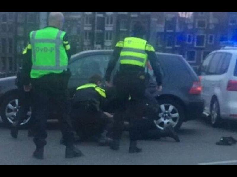 Гарата в Амстердам беше отцепена заради изстрели - картинка 1