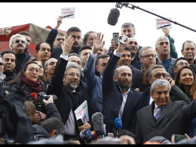 Съдебният процес срещу турските журналисти, обвинени в шпионаж, ще се гледа при затворени врати - картинка 1