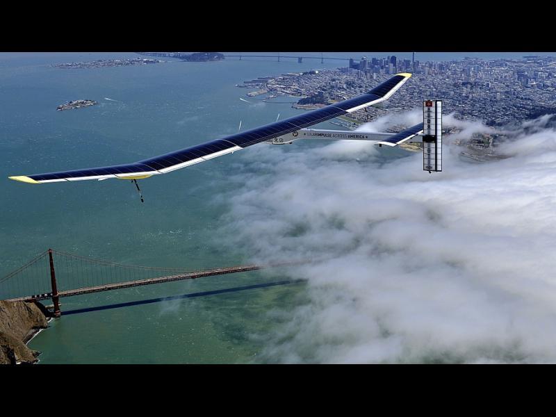 Соларният самолет продължава обиколката си около света - картинка 1