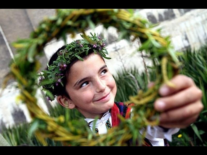 Традиции и обичаи на Цветница!