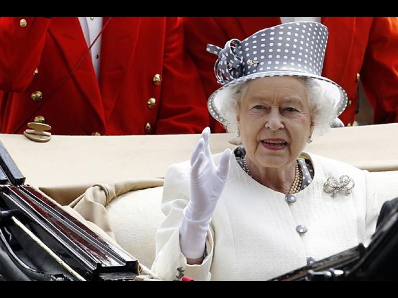 Елизабет II празнува днес 90-годишен юбилей - картинка 1