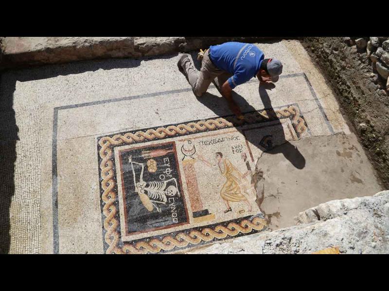 Съвет на 2400 години: Радвайте се на живота, докато можете! - картинка 2