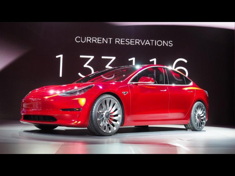 Дочакахме! Tesla представи масовия Model 3 - картинка 1