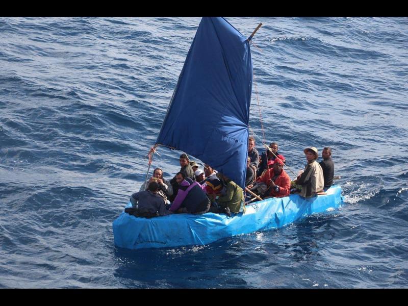 ИЗВЪНРЕДНО! Стотици удавени имигранти в Средиземно море - картинка 1