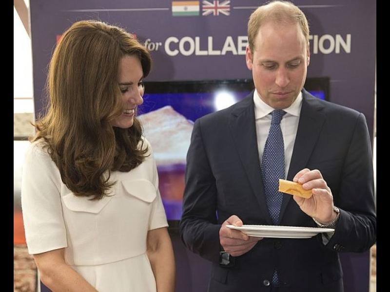 Принц Уилям сготви индийския специалитет