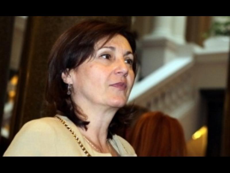Бъчварова: Над шефа на ДАИ няма политически чадър - картинка 1