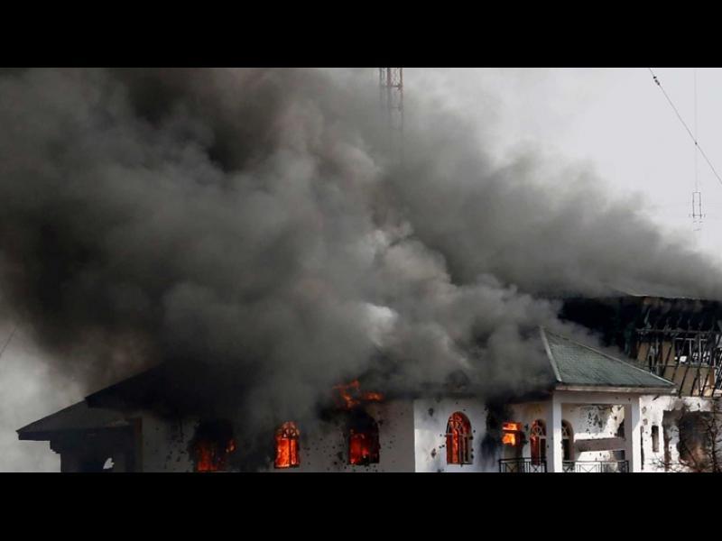 /ВИДЕО/ Пожар в индийски храм, жертвите са вече 106 - картинка 1