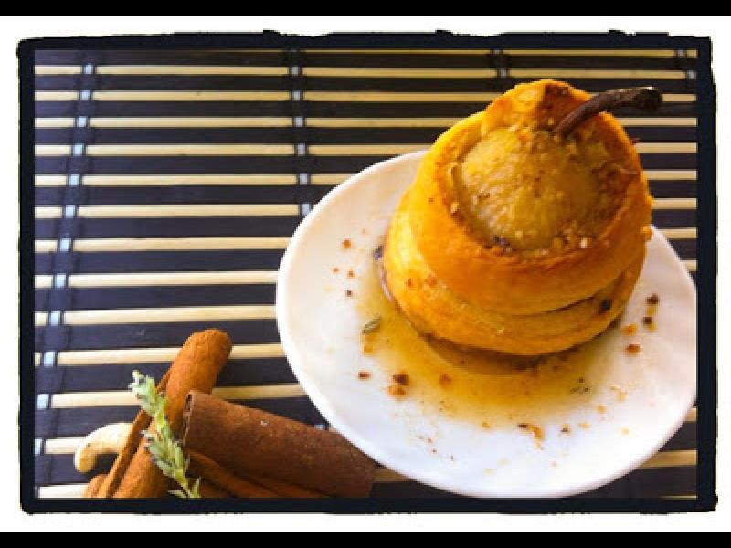 Домашна кухня: Карамелени круши в бутер тесто с плънка от ядки