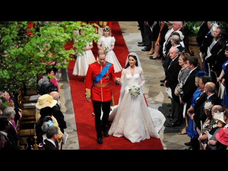 Сватбената рокля на Кейт Мидълтън изкопирана? - картинка 1