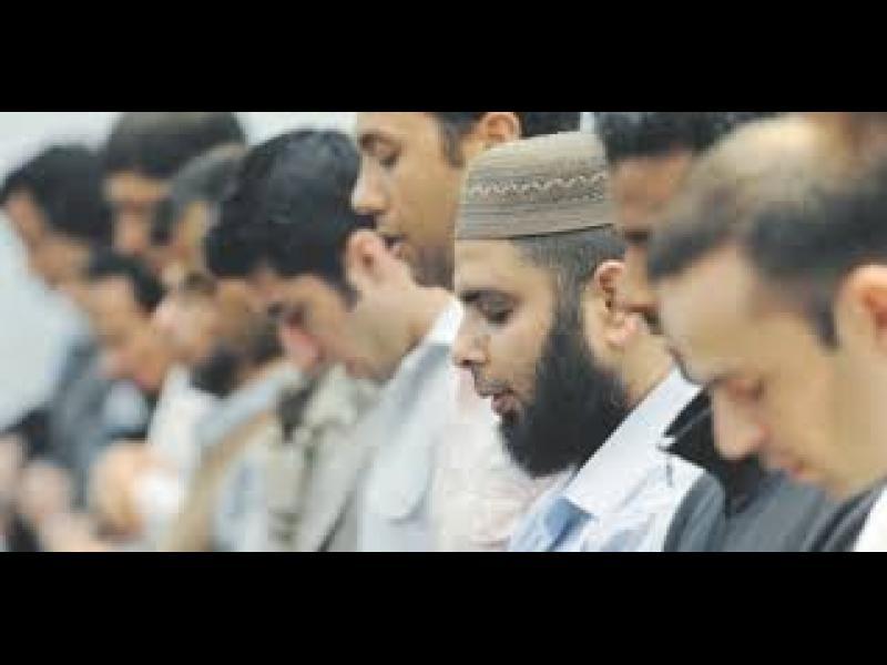 Мюсюлманите няма вече да се ръкуват с преподавателките си - картинка 1