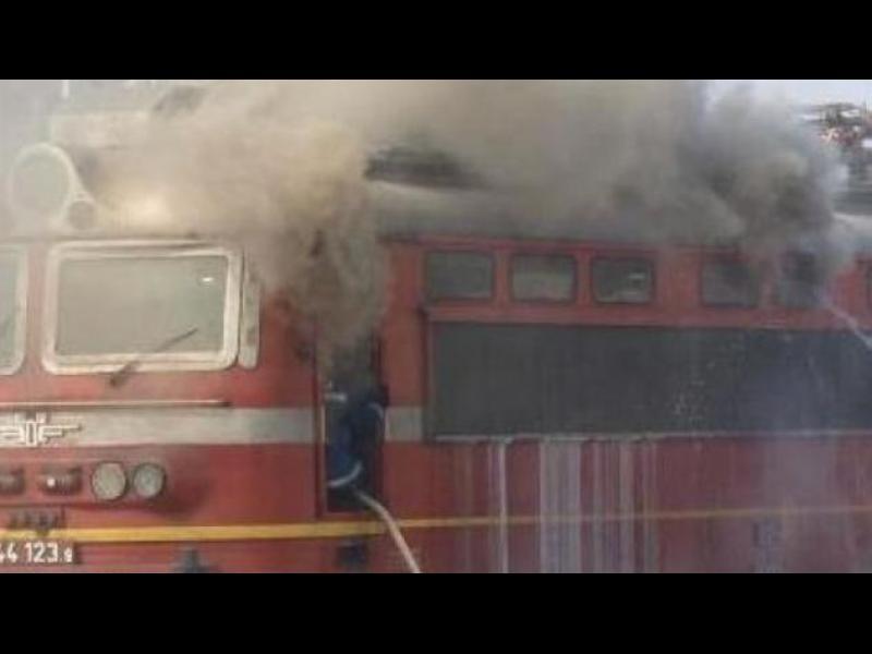 ИЗВЪНРЕДНО! Пожар във влака Бургас - София тази нощ - картинка 1