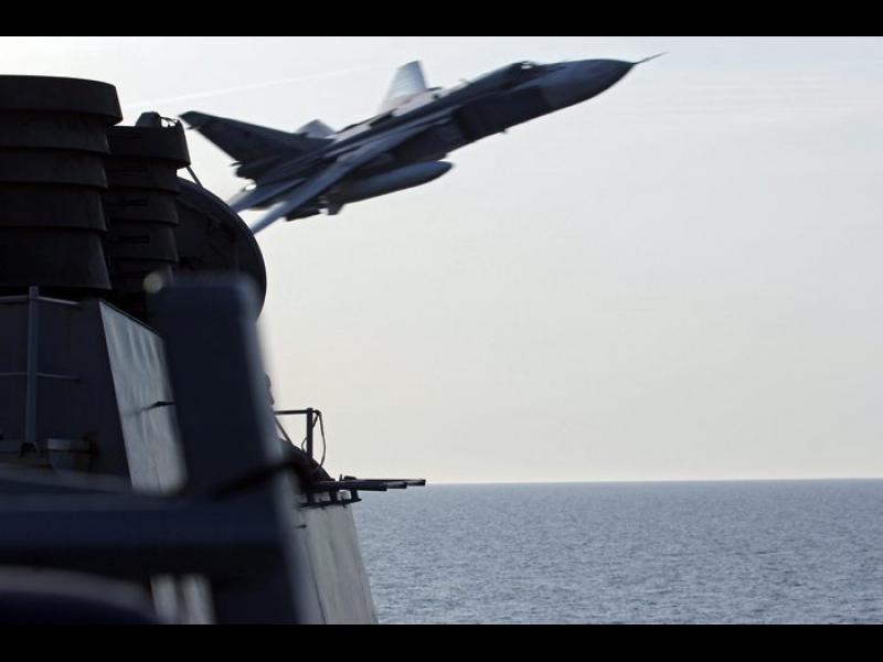 Навик: Руски изтребител прелетя на 15 метра от американски разузнавателен самолет - картинка 3