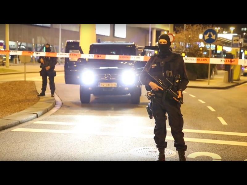 """/ВИДЕО/ Трима задържани на амстердамското летище """"Схипхол"""" - картинка 1"""