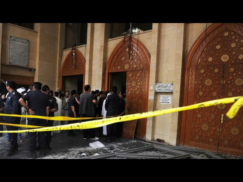 Бомбен атентат в джамия в Ирак - картинка 1