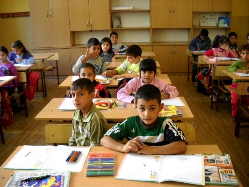 Да бъдеш учител в ромско училище. Защо не? - картинка 1