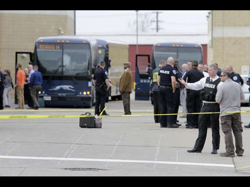 BBC: Стрелба по младежи на автогара в САЩ - картинка 1